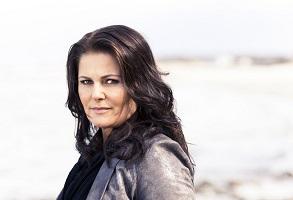 Sara Blaedelová