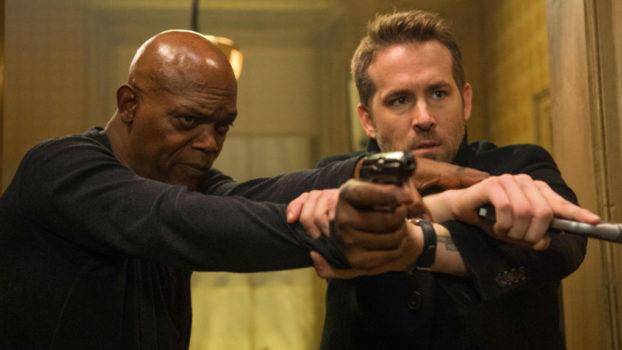 Samuel L Jackson (Darius Kincaid) a Ryan Reynolds (Michael Bryce) Zabiják a bodyguard. Foto: Jack English/Lionsgate.