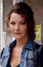 Stephanie Plumová (Katherine Heigel)